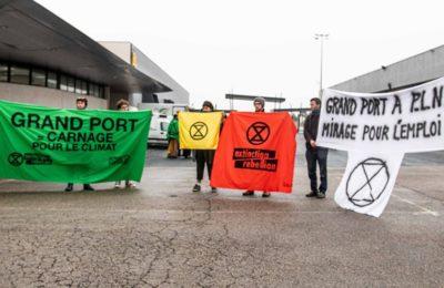 Action avec XR à Montpellier durant plainière du conseil régional